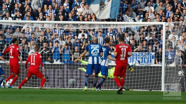Werner schiaccia lo 0-1.   Fonte immagine: Twitter @bundesliga_de