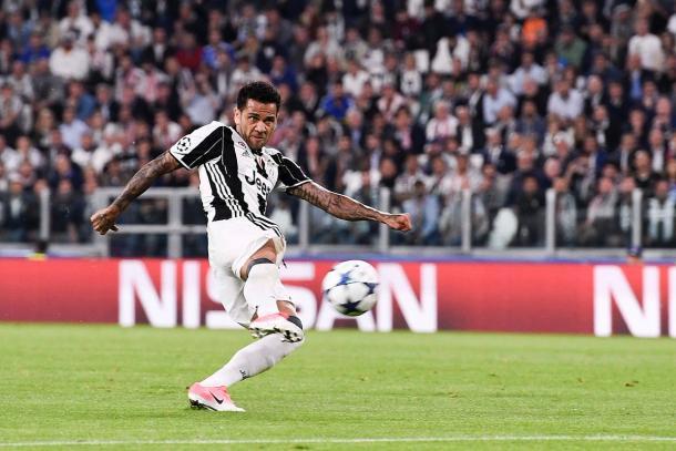 Alves en el momento de anotar ante el AS Mónaco | Foto: Juventus