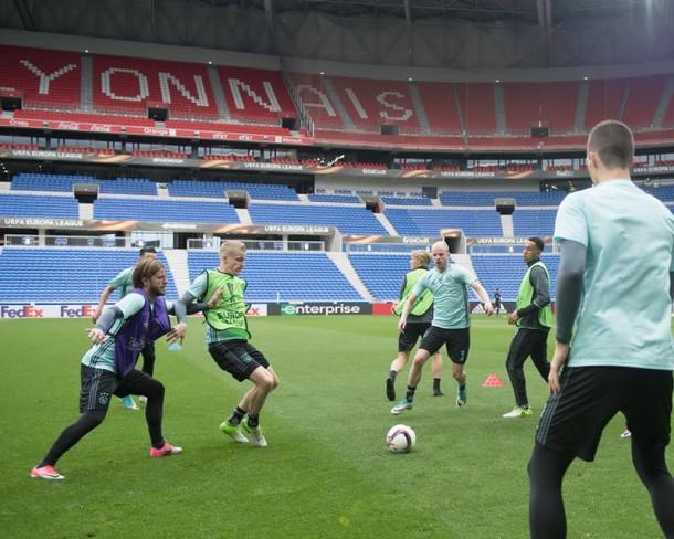 AFC Ajax - Twitter