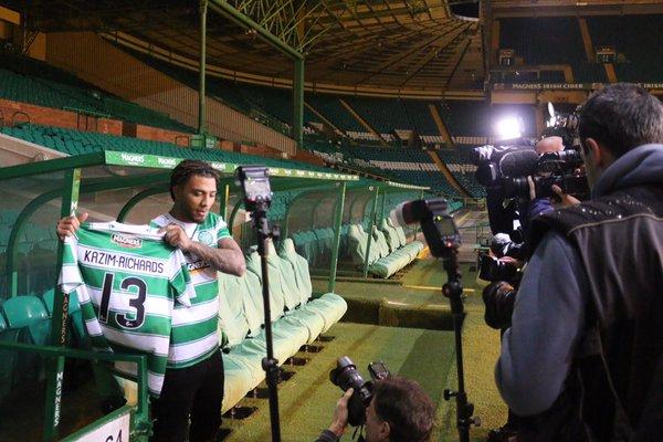 Kazim-Richards poses for cameras | @celticfc