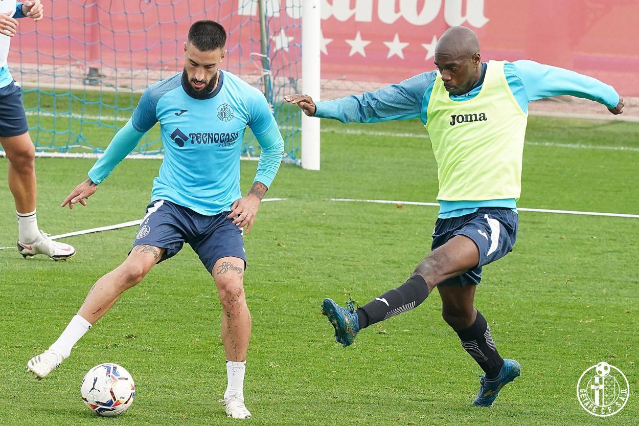 Cabaco y Nyom en el entrenamiento del Getafe // Fuente: Getafe CF
