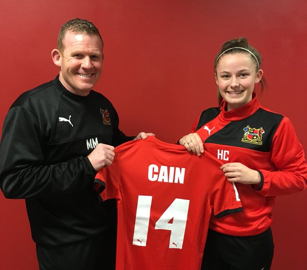 Hannah Cain capped off the club's business for the week when she put pen to paper. | Photo: Sheffield FC