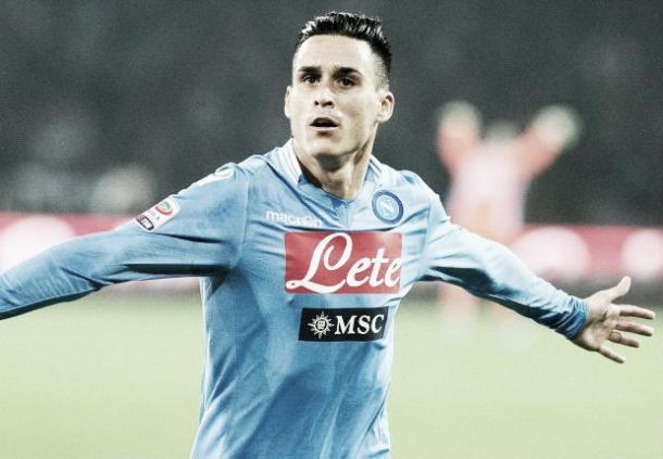 Callejón, celebrando uno de sus goles con la camiseta del Napoli. / Foto: @FootballFact