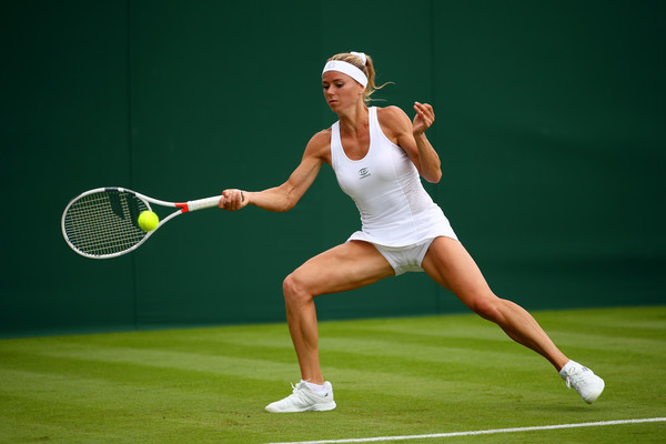 Camila Giorgi hits a forehand during today's match | Photo: Clive Brunskill/Getty Images Europe