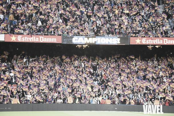 El Camp Nou se prepara para otra gran noche | Foto: Noelia Déniz - VAVEL