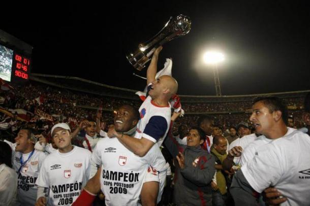 Ómar Pérez, gran bastión cardenal para la obtención de la Copa Colombia 2009. Imagen: hablaelbalon.com