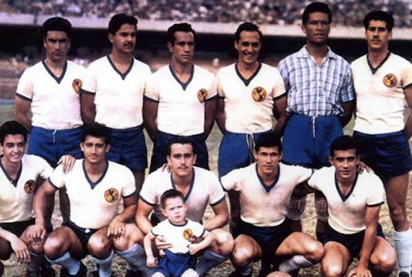 Plantel campeón en 1954-1955 | Foto: Club América - Sitio Oficial