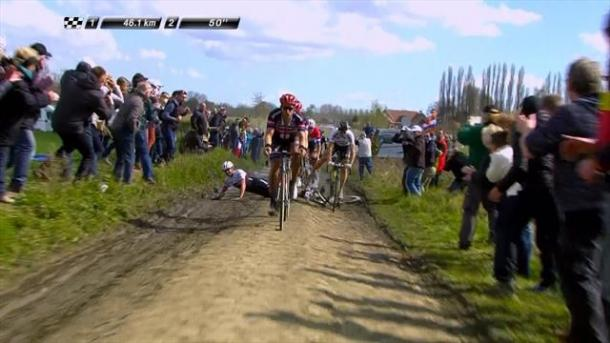 The moment Cancellara crashed, and with it his chance of victory vanished / Cycling Weekly