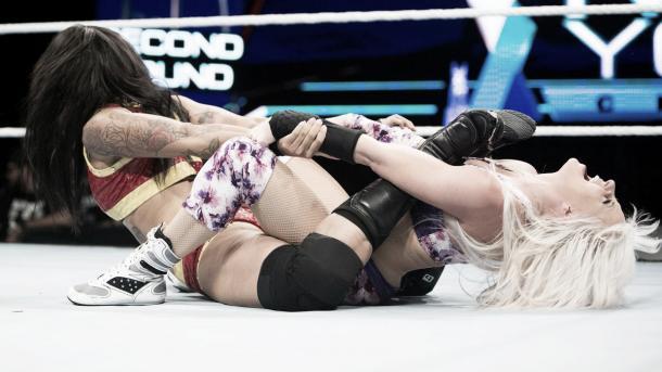 Candice advances! Photo-WWE.com