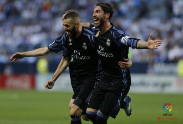 Benzema celebra su gol junto a Sergio Ramos/ FOTOGRAFÍA: LFP.