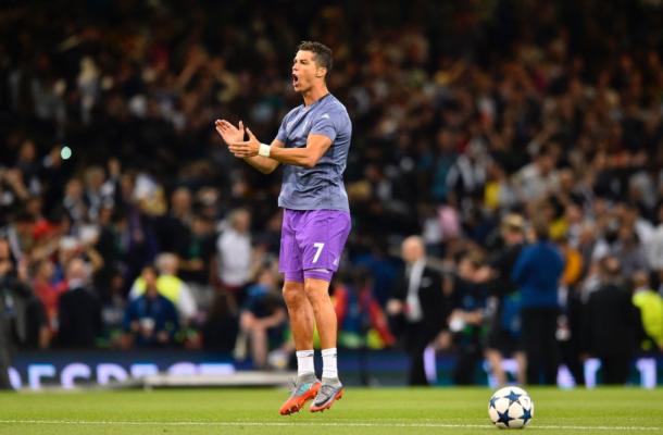 Cristiano anima a los suyos antes del partido/ FOTOGRAFÍA: UEFA.com