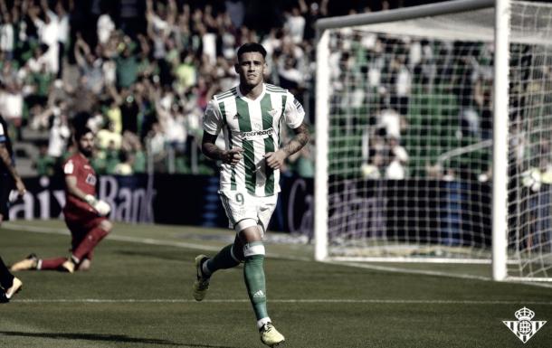 Foto de la última victoria en casa frente al Alavés por 2-0 / Foto: www.realbetisbalompie.es