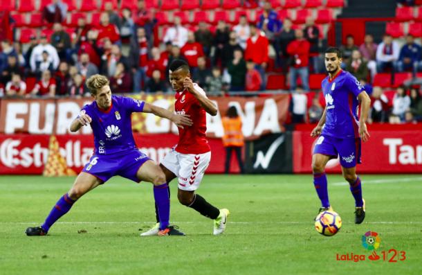 Carlos Hernández, clave una vez más en la victoria azul | Imagen: La Liga 123