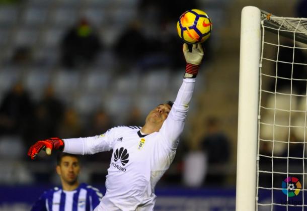 Alfonso Herrero realiza una gran parada | Imagen: La Liga