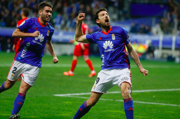 Toché celebra su gol junto a Diegui Johannesson | Imagen: Real Oviedo