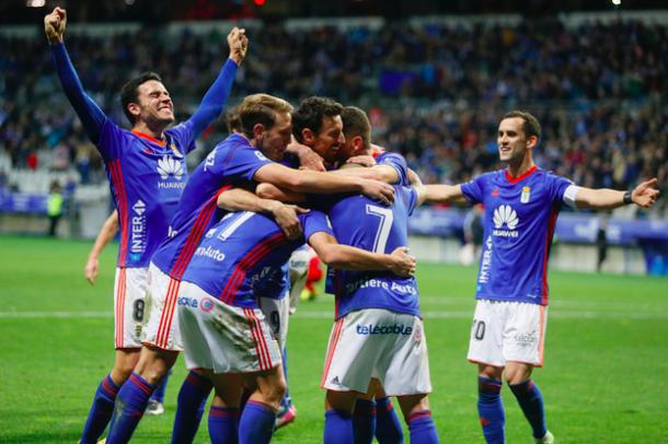 Los jugadores del Real Oviedo celebran el segundo gol carbayón | Imagen: Real Oviedo