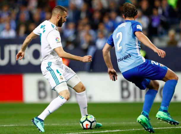 Benzema en el momento del pase a Isco. Foto: Real Madrid