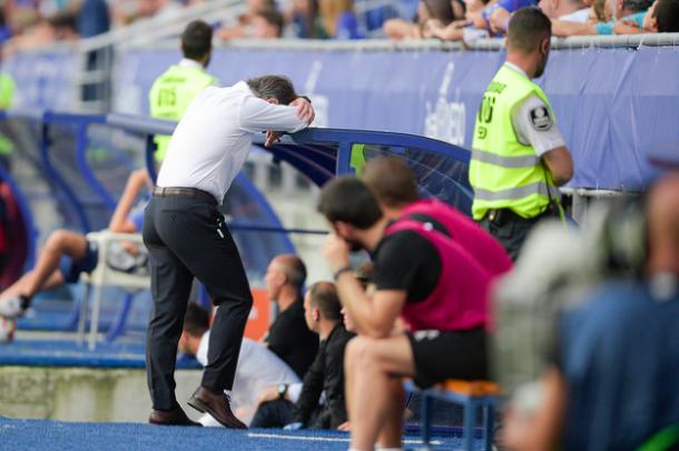 Anquela, desesperado por los errores | Imagen: Real Oviedo