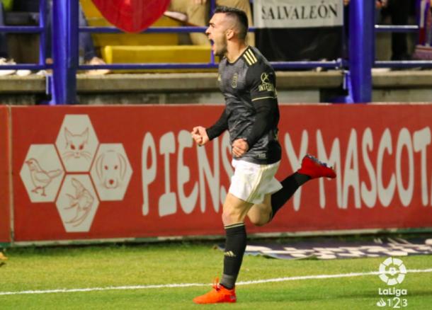 Joselu celebra su gol con rabia | Imagen: LaLiga 1|2|3