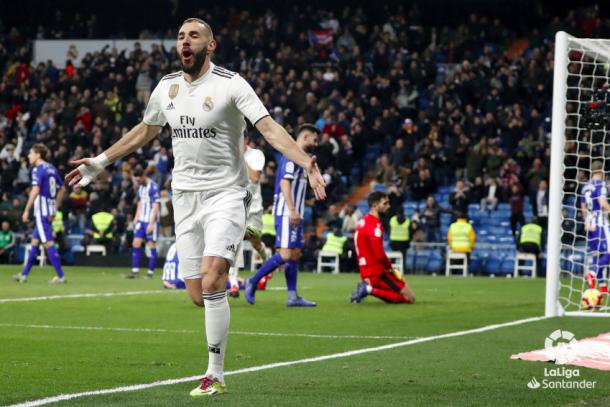 Benzema celebrando su gol al Alavés. Foto: Liga Santander.