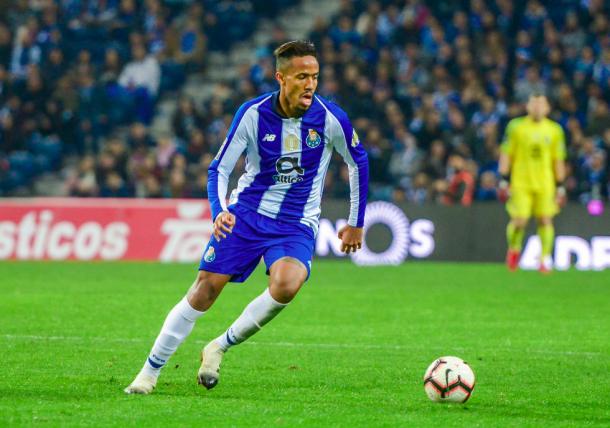 Militao conduce la pelota. Foto: FC Porto.