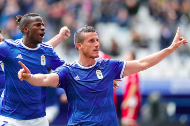 Bolaño e Ibra celebran el segundo gol | Imagen: Real Oviedo