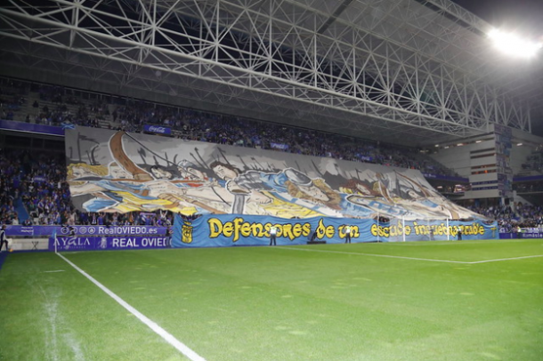 Tifo de Symmachiarii | Imagen: Real Oviedo