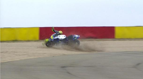 Caída de Valentino Rossi en Aragón 2014. Foto: motogp.com