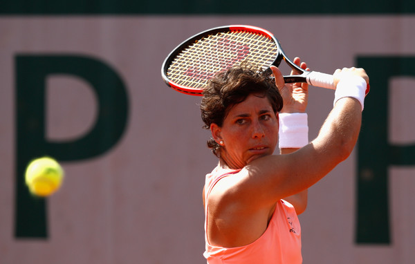 Carla Suarez Navarro hits her famous one-handed backhand | Photo: Adam Pretty/Getty Images Europe