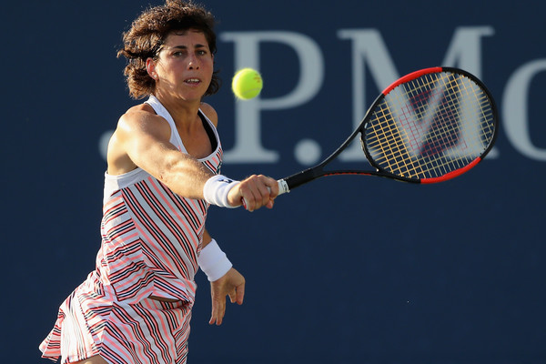 Carla Suarez Navarro's backhands were world-class today | Photo: Elsa/Getty Images North America