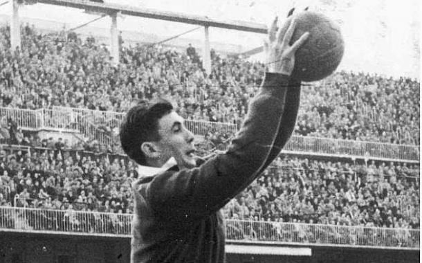 Carmelo Cedrún ocupó la portería del Athletic entre la época de Lezama y la de Iríbar (Foto: anecdotariodeporteria.blogspot.com)