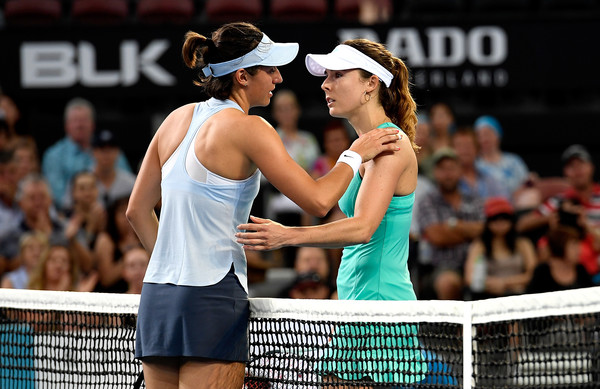 The two Frenchwomen met for a warm handshake at the net after Garcia opted to retire | Photo: Bradley Kanaris/Getty Images AsiaPac