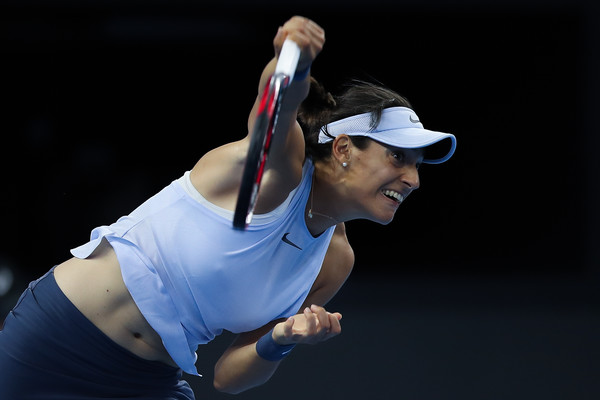Caroline Garcia's serves saved her from the brink of multiple occasions | Photo: Lintao Zhang/Getty Images AsiaPac