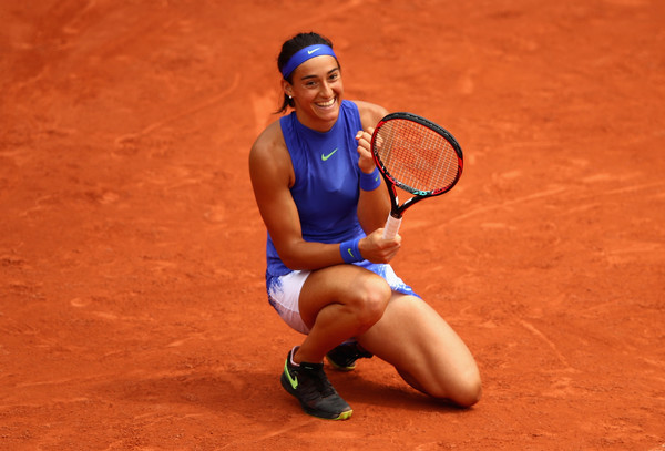 Caroline Garcia celebrates clinching a tough win over Hsieh Su-wei in the third round of the French Open, triumphing 9-7 in the final set | Photo: Clive Brunskill/Getty Images Europe
