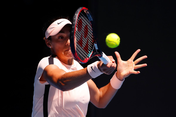 Caroline Garcia in action during the match today | Photo: Darrian Traynor/Getty Images AsiaPac