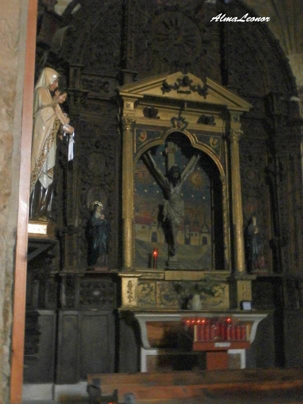 """Cristo del Amparo en una cruz con forma de """"Y"""" griega. Imagen: AlmaLeonor (VAVEL)."""