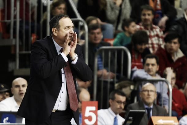 Andreu Casadevall no pudo terminar la temporada en el banquillo/ Foto: Basket Zaragoza