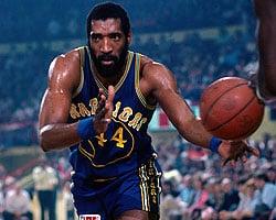 Un jugador de los Warriors disputando un partido| Fuente: NBA