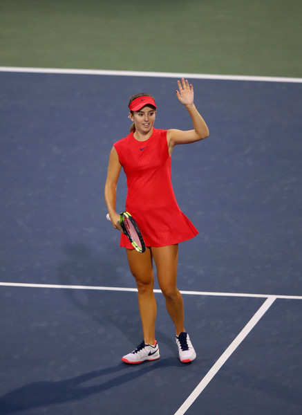 Catherine Bellis applauds the crowd after her impressive performance | Photo: Ezra Shaw/Getty Images North America