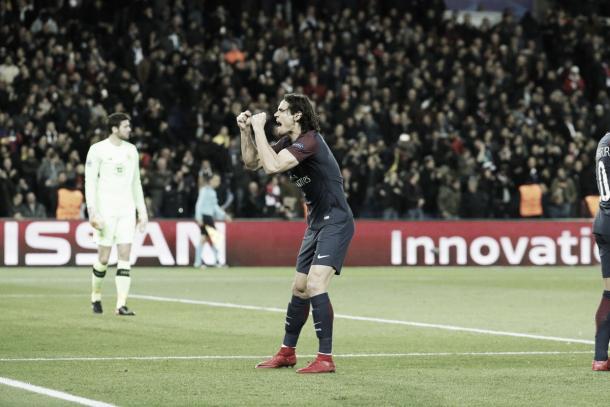 Cavani y el descargo su segundo gol personal. Foto: twitter.com/PSG_Inside