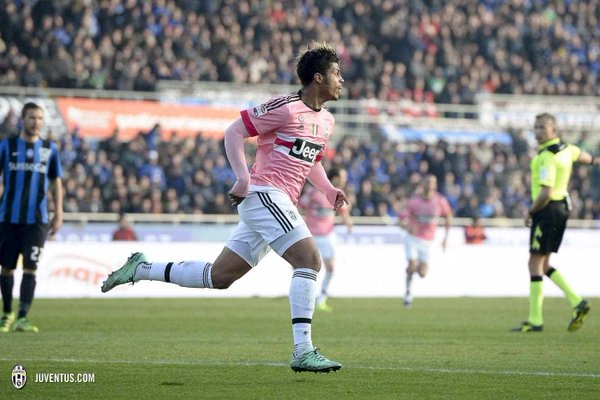 Mario Lemina celebra el 2-0 ante el Atalanta   Foto: Juventus