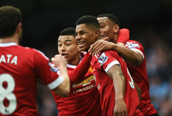 Rashford celebrates with his teammates after opening the scoring in the Derby | Photo: Getty Images