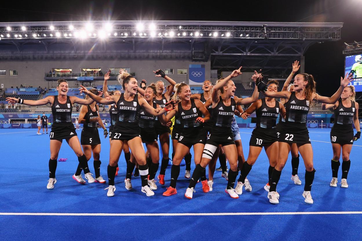 Celebración de Argentina de hockey en los Juegos Olímpicos // Fuente: Selección de Argentina de Hockey