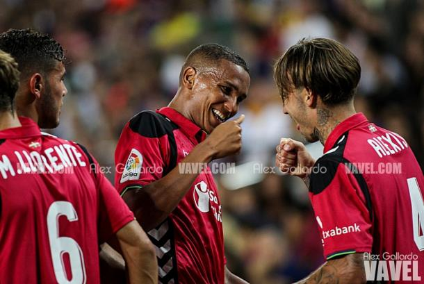 Deyverson y Alexis, del Deportivo Alavés. Fuente: Álex Gallardo (vavel)