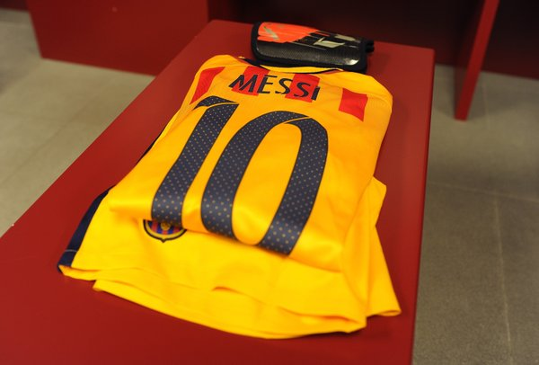 La maglia di Leo Messi nello spogliatoio del Barça. Fonte: Uefa.com