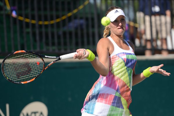 Mladenovic takes the first set | Photo: Christopher Levy