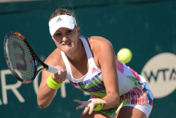Mladenovic saves two match points to bring it to a tiebreak | Photo: Christopher Levy