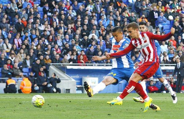Il tiro preciso di Griezmann. L'Atletico ribalta il risultato grazie al centro del francese. Fonte: clubatleticodemadrid.com