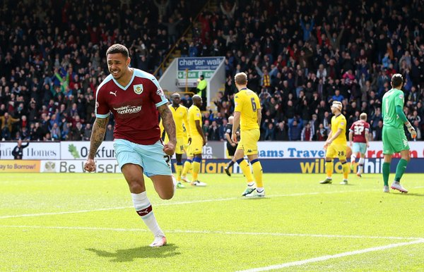 Gray celebra un gol con la camiseta del Burnley. Foto: Burnley