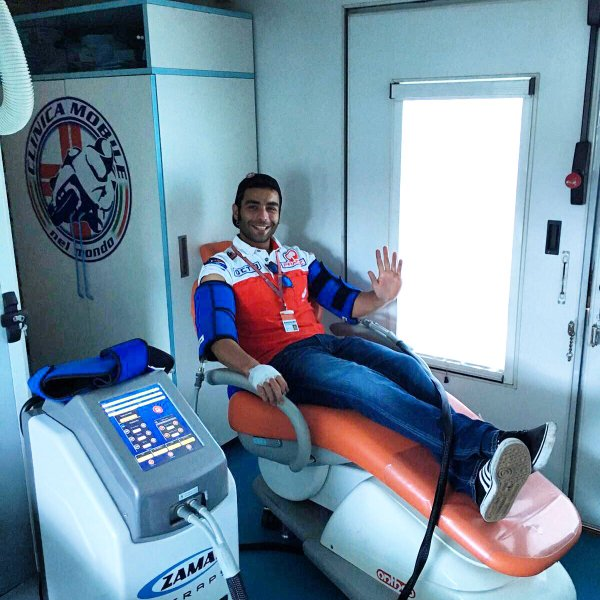 Petrucci in the medical centre after Qualifying | Photo: Twitter/@clinicamobile